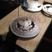 Декоративное применение деньгам: украшения из монет своими руками