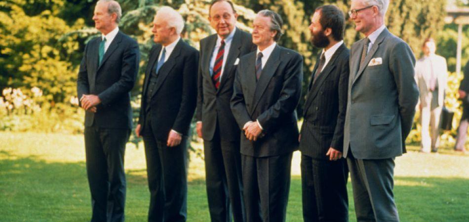 """Министры иностранных дел ФРГ, ГДР, СССР, США, Франции и Великобритании после подписания Договора """"Два плюс четыре"""""""