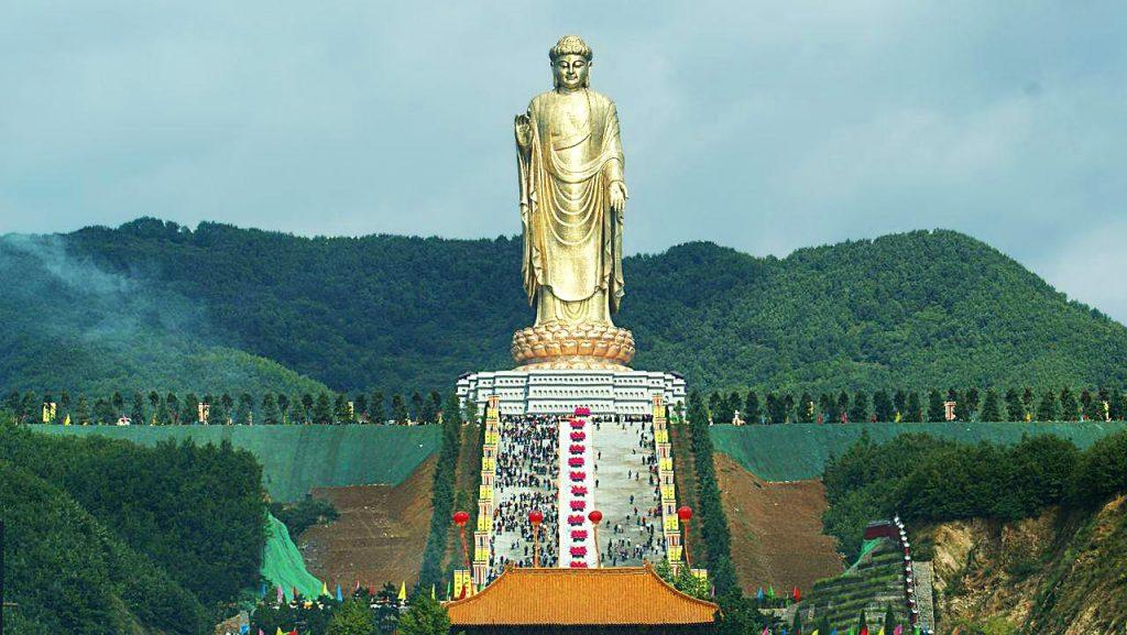 Будда Весеннего Храма в Китае, 128 м