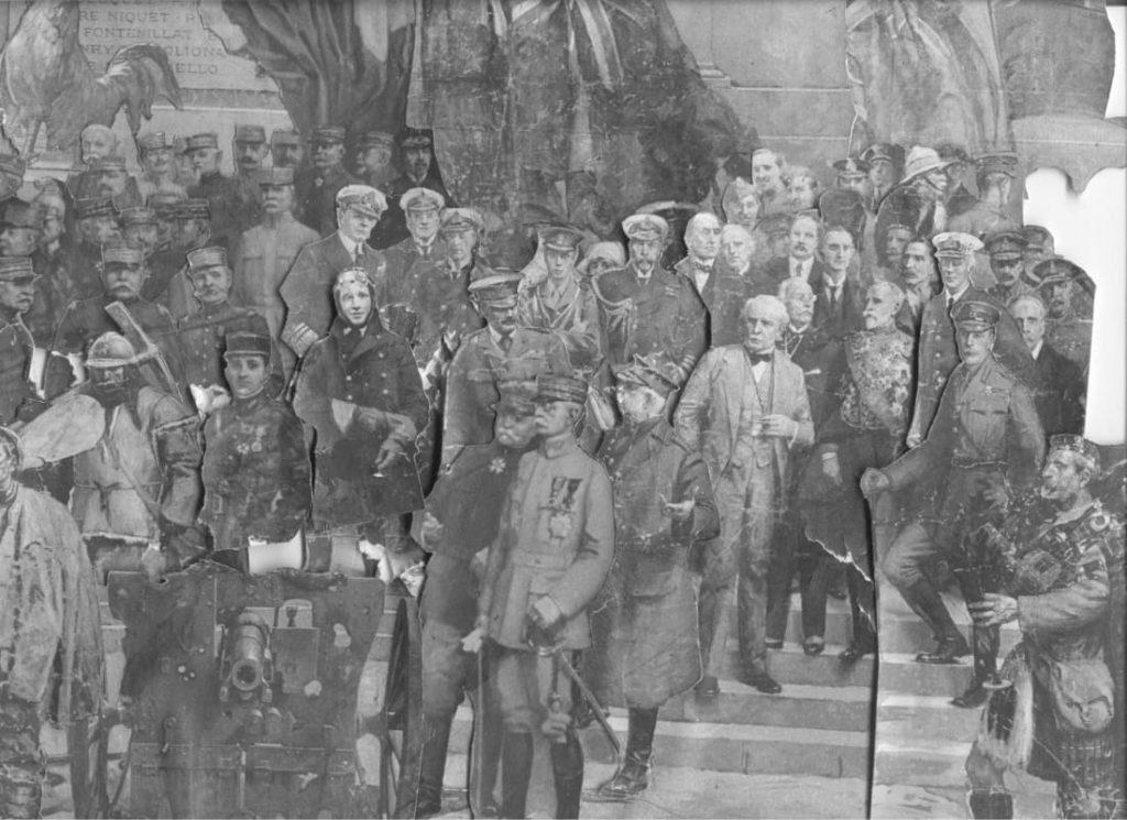 В процессе реконструкции Макморрис использовал фотографии, чтобы создать новую композицию из оригинальных фрагментов
