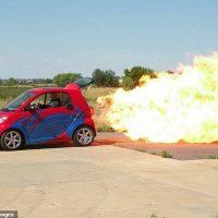 Первый Smartавтомобиль с реактивным двигателем