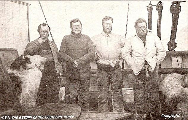 (слева направо) Фрэнк Уайлд, Эрнест Шеклтон, Эрик Маршалл и Джеймс Бойд-Адамс