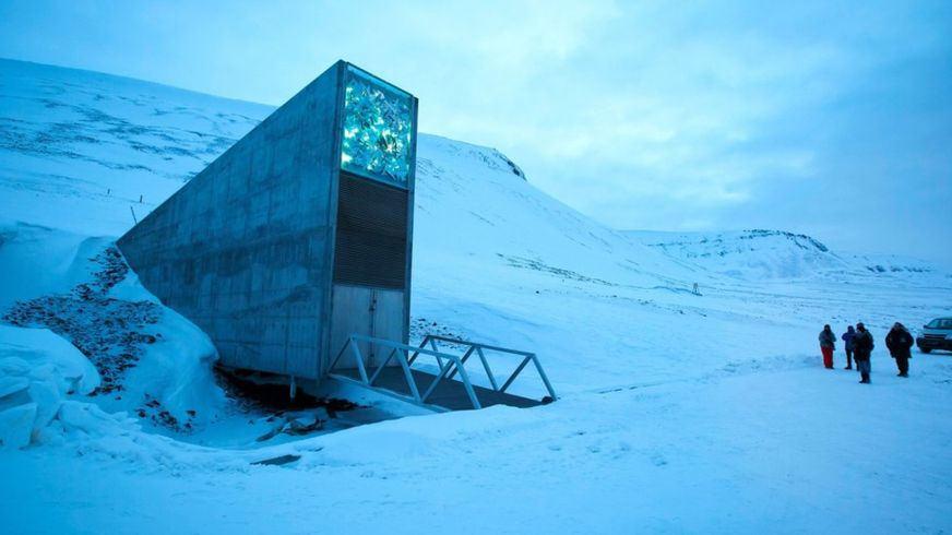 Вход во Всемирное семенохранилище в Лонгйире, Шпицберген