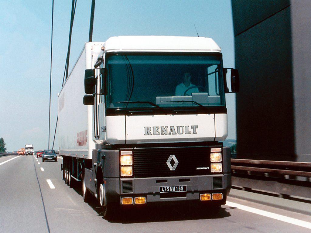 Renault AE Magnum