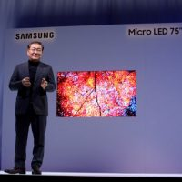 Телевизор Samsung The Wall на MicroLED светодиодах.