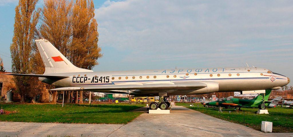Первый советский реактивный пассажирский самолёт Ту-104