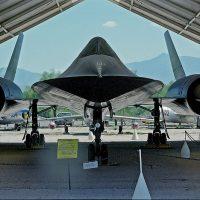 Lockheed SR-71 Blackbird — уникальный разведчик из 60-х