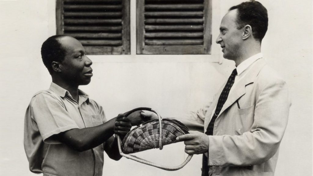 Джон Уилсон (справа) - основатель организации Sightsavers