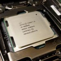 Первые тесты топового процессора Intel Core i9-9990XE