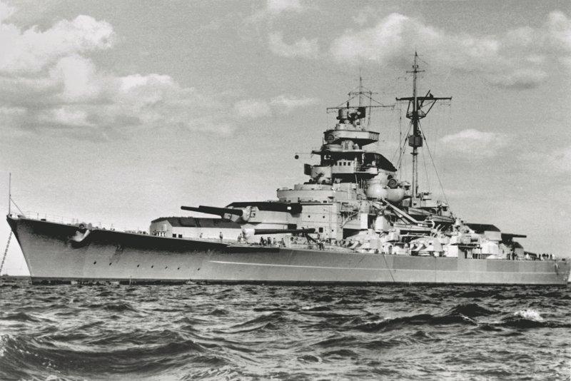 Немецкий линкор «Tirpitz» типа «Бисмарк»