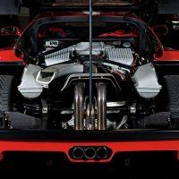 Суперкары с неожиданно маленьким двигателем