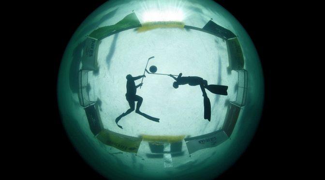 Хоккей подо льдом 🏒