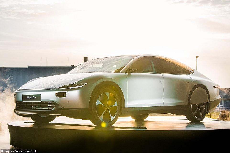 Lightyear One: шведы представили уникальный «солнцемобиль»
