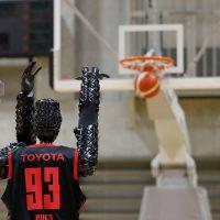 Японский робот-баскетболист Cue 3 установил новый рекорд