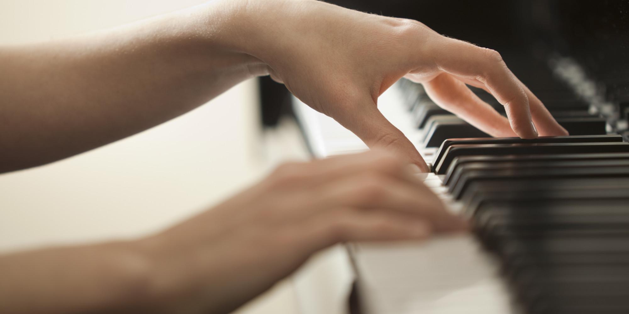 окна пальцы на фортепиано картинки артиста балета, которого