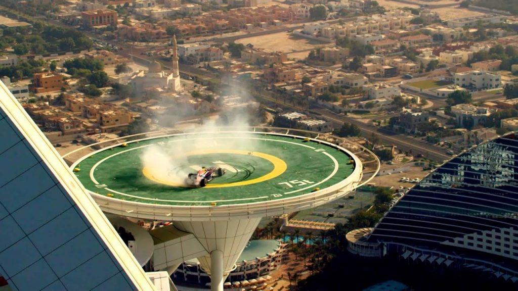 Бурдж-аль-Араб: главному символу Дубая исполняется 20 лет