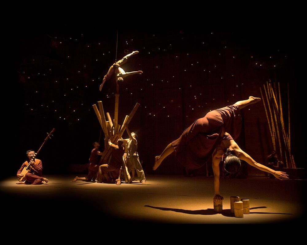 Lang Toi: первый в мире «бамбуковый» цирк