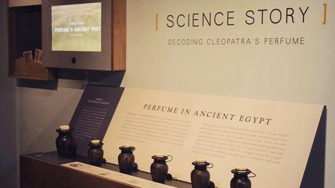 Учёные воссоздали парфюм царицы Клеопатры