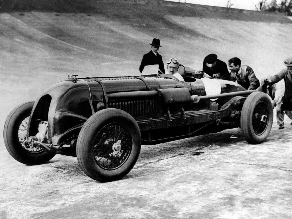 Bentley «Blower»: возрождение легендарного болида