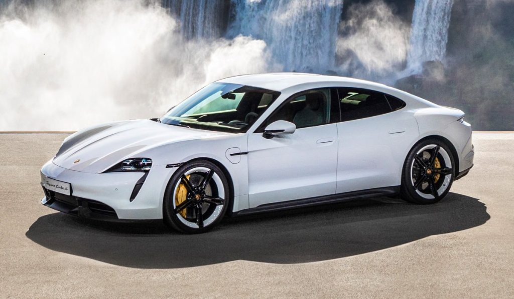 Мировая премьера Porsche Taycan – первого электромобиля от Porsche