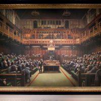 «Devolved Parliament»: самая дорогая картина Бэнкси продана за $12,2 млн