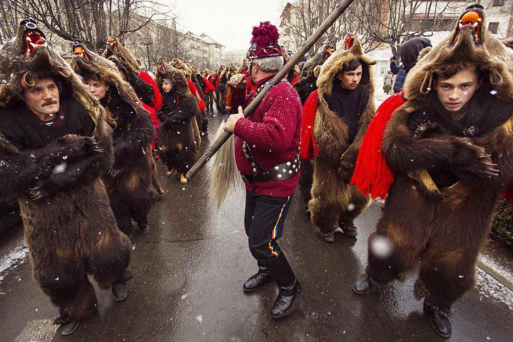 Забавные и странные новогодние традиции народов мира