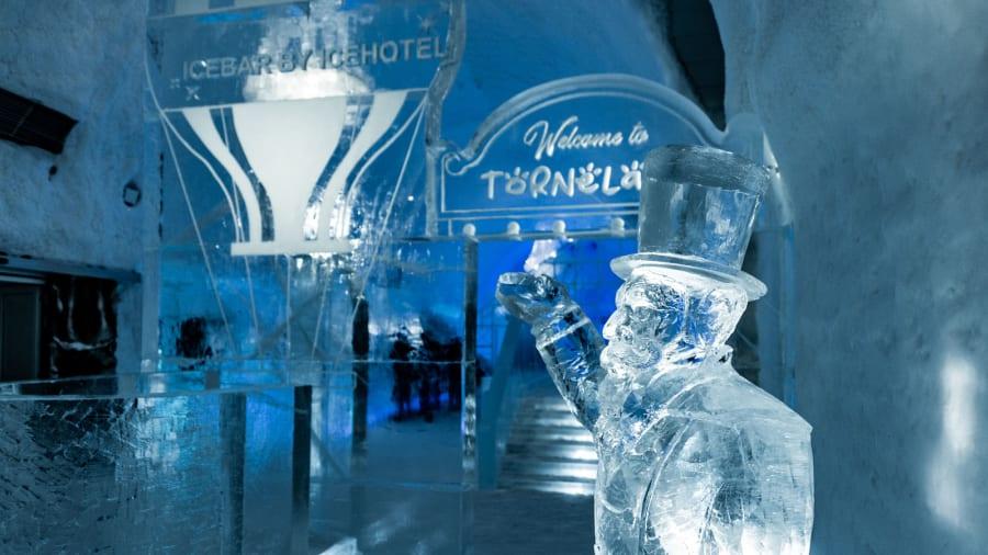 Первому в мире ледяному отелю ICEHOTEL 30 лет