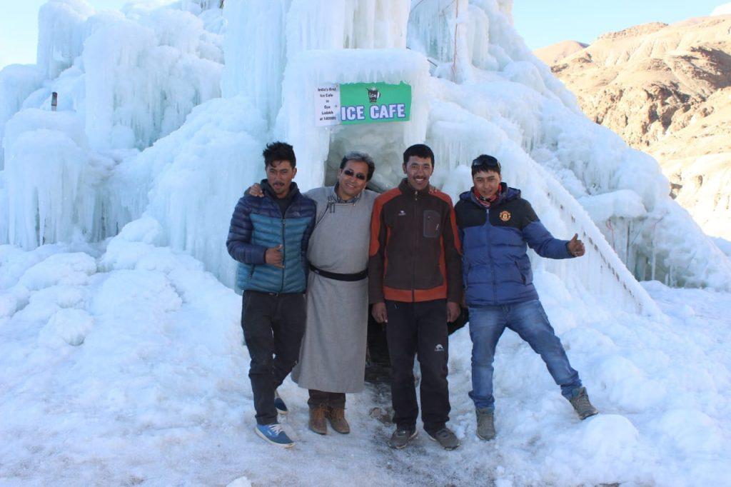 Ледяные ступы в борьбе против засухи в Индии