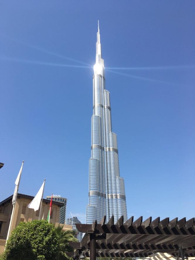 Бурдж-Халифа – самое высокое сооружение на планете