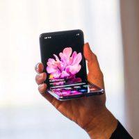 Galaxy Z Flip: новый гибкий смартфон от Samsung
