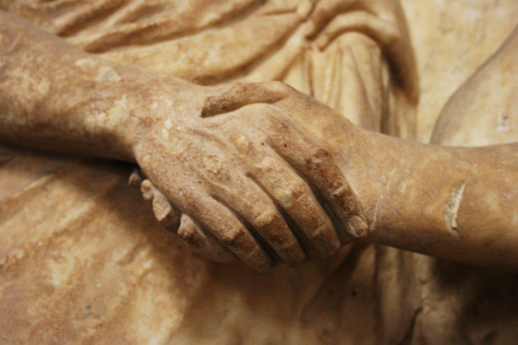 Рукопожатие: история универсального жеста