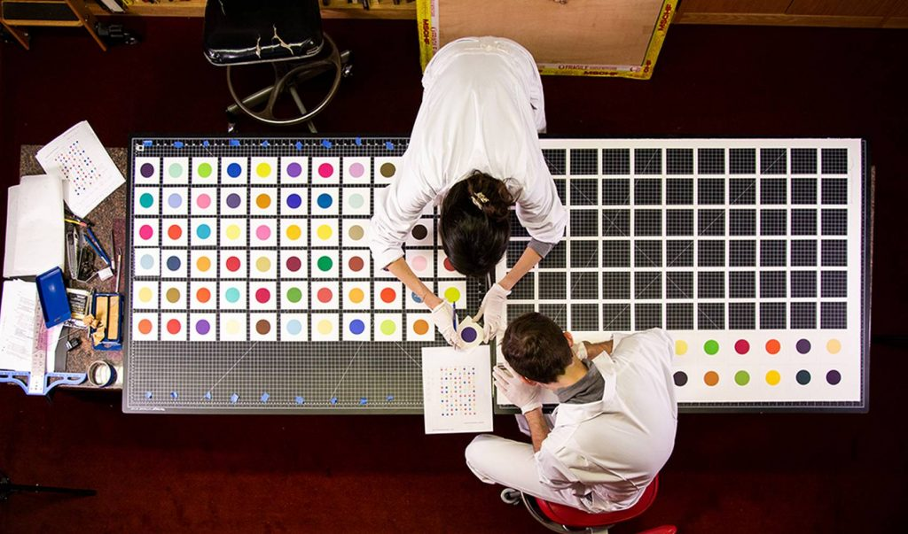 Арт-группа MSCHF разрезала картину Дэмьена Херста и продала её в 6 раз дороже