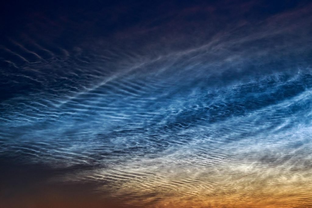 NASA объявило раннее начало сезона серебристых облаков