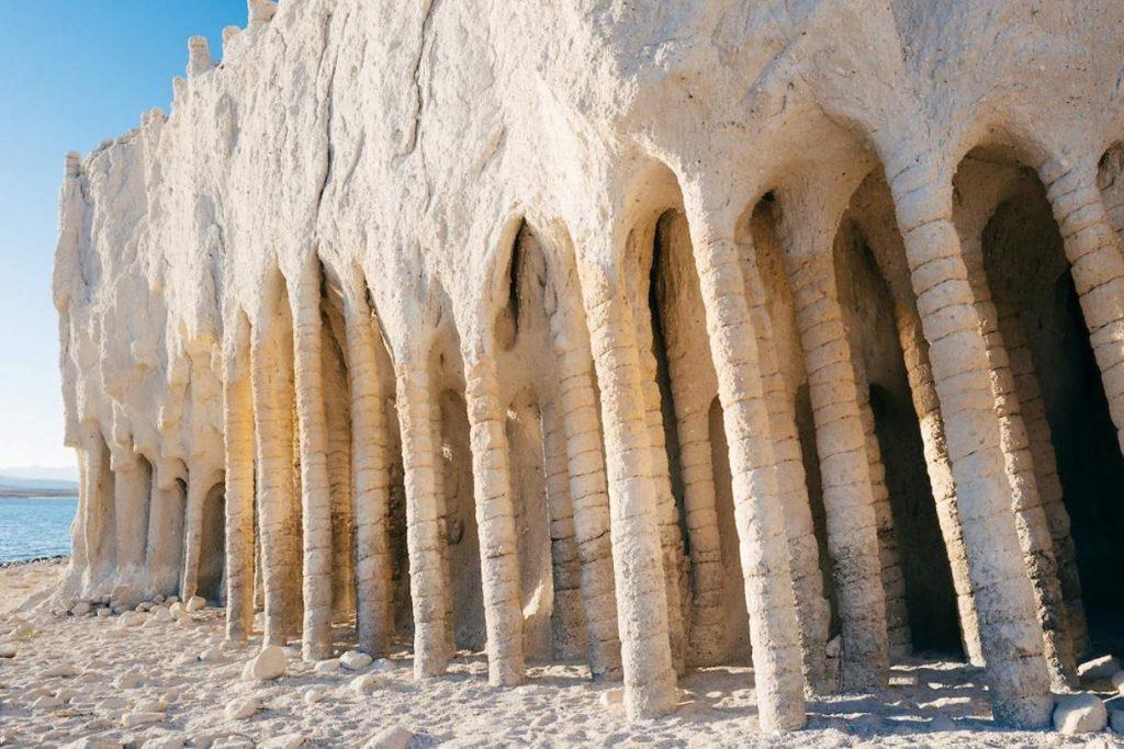 Таинственные колонны озера Кроули
