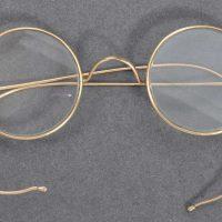 Очки Махатмы Ганди выставили на аукцион