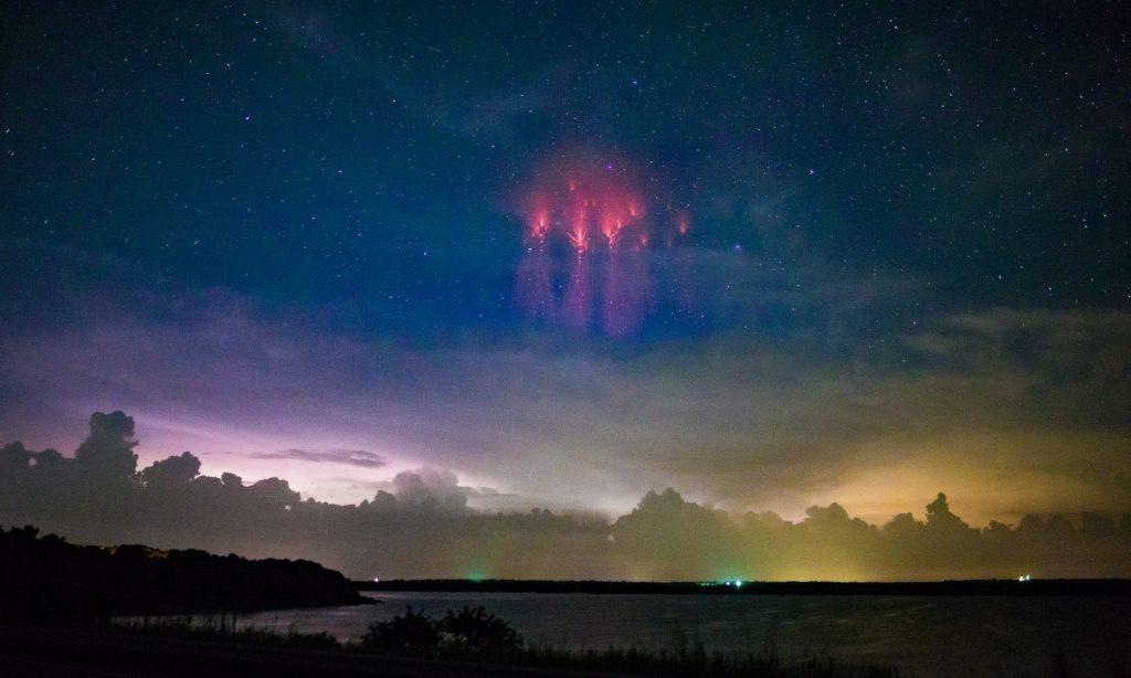 Спрайты: таинственные небесные молнии-медузы