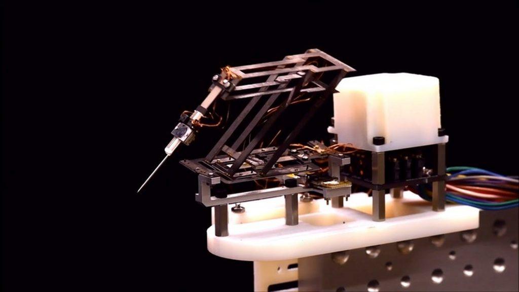 Миниатюрный робот-хирург для микроскопических операций