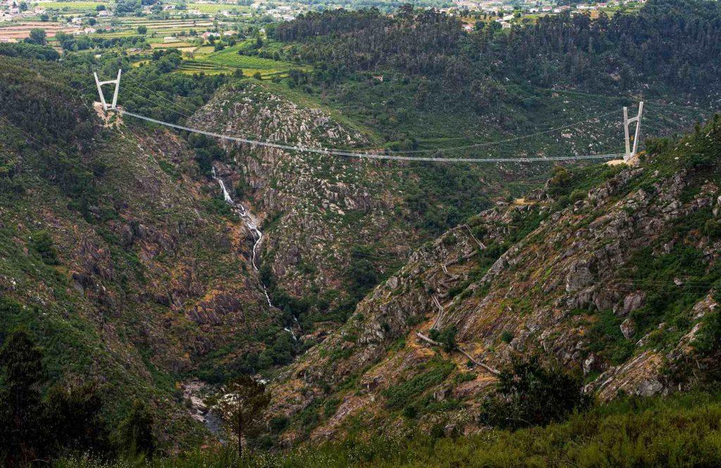 516 Arouca – самый длинный пешеходный подвесной мост в мире