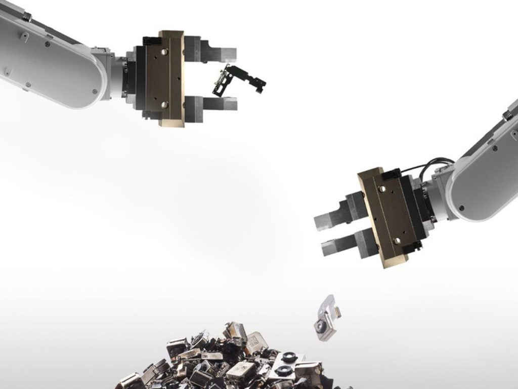 Apple обвинила GEEP Canada в краже и перепродаже тысяч устройств
