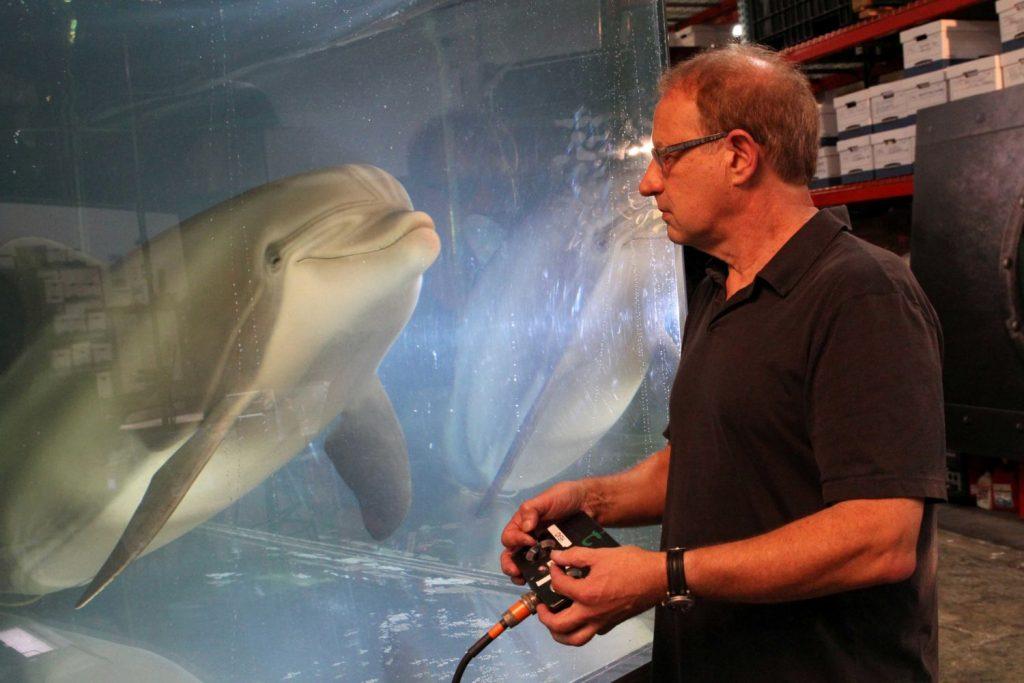 Гиперреалистичный робот-дельфин от компании Edge Innovations