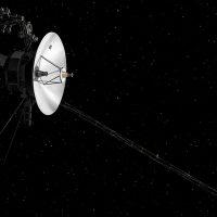 NASA восстановило связь с зондом Voyager 2