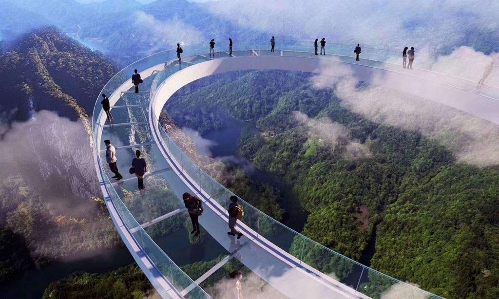 Huangtengxia Tianmen Sky Walk: стеклянный мост с водопадом