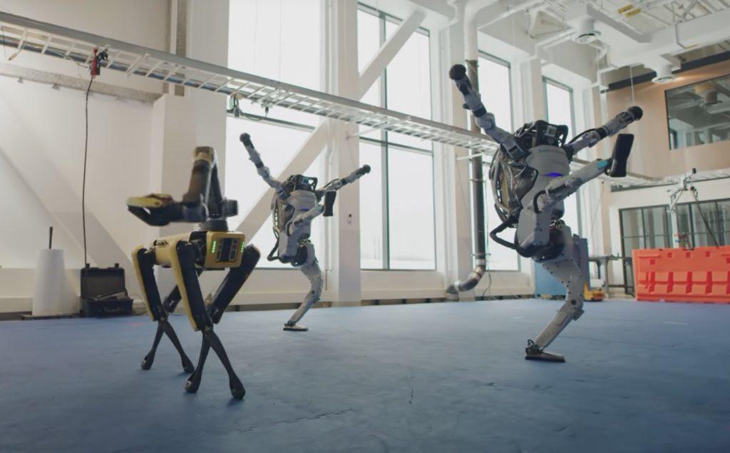 Задорный танец роботов от Boston Dynamics