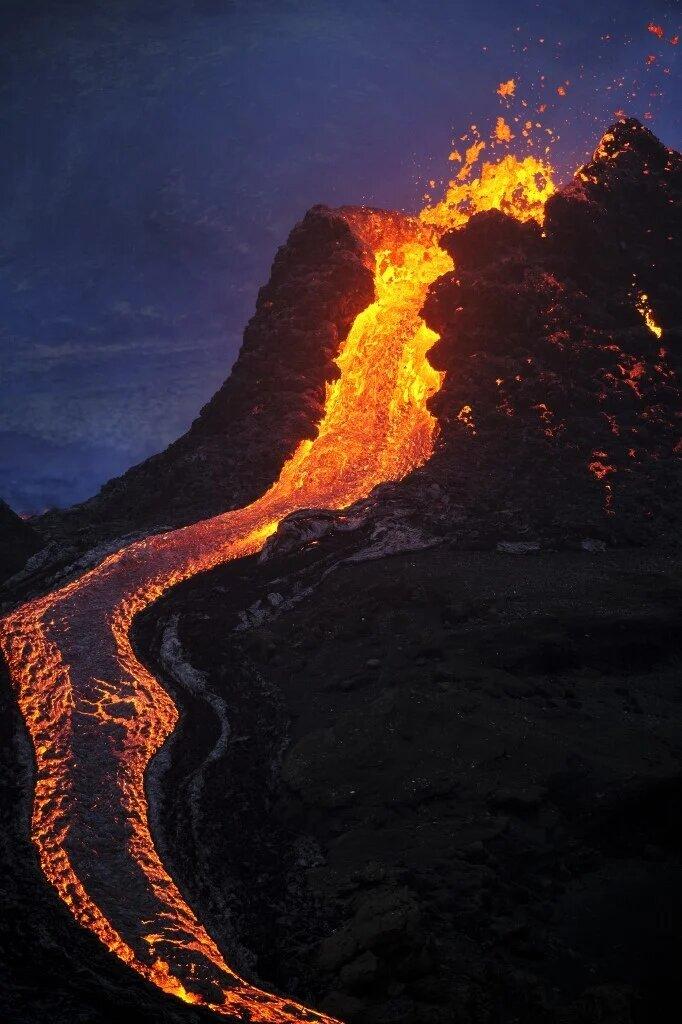 Извержение вулкана Фаградальсфьядль в Исландии