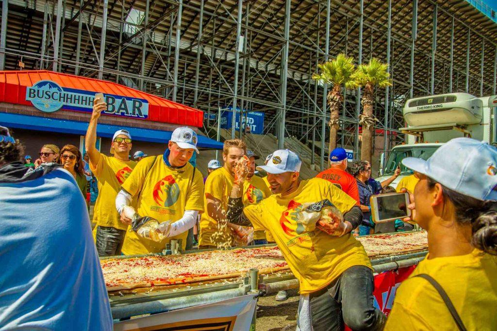 Рекорды Гиннесса: самая большая пицца в мире