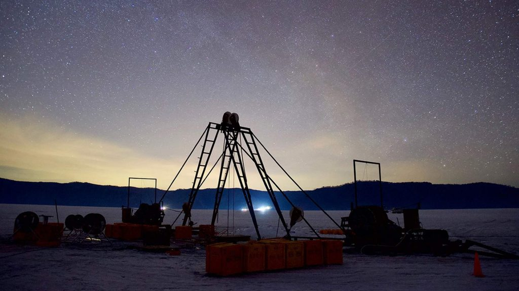 Подводный нейтринный телескоп Baikal-GVD