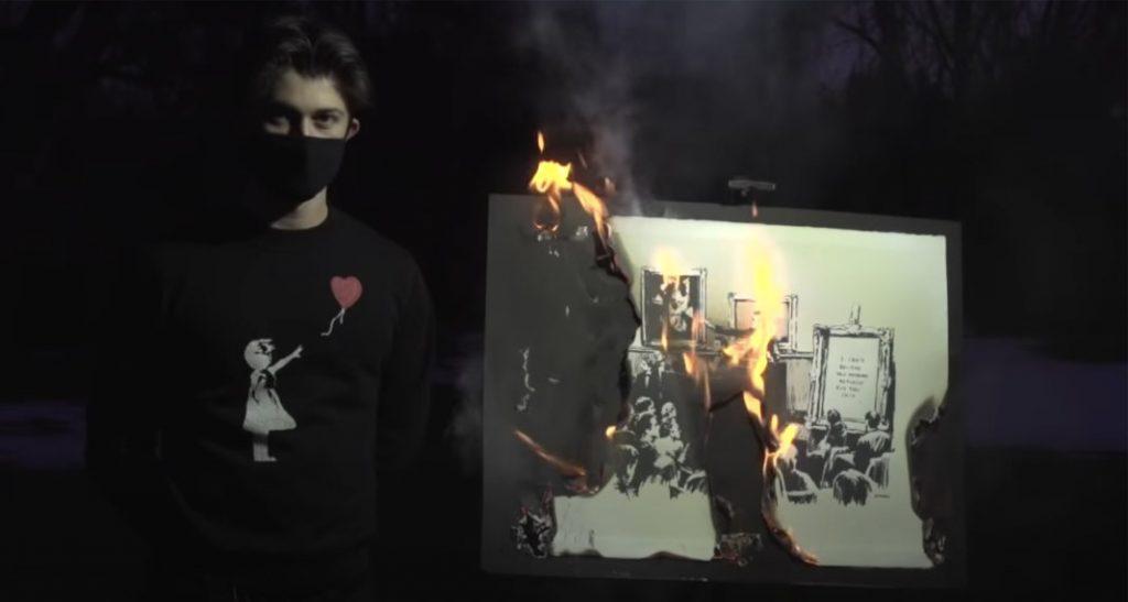 Картину Бэнкси «Morons (White)» сожгли в прямом эфире