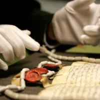 Пергамент из овчины как средневековый метод борьбы с мошенничеством