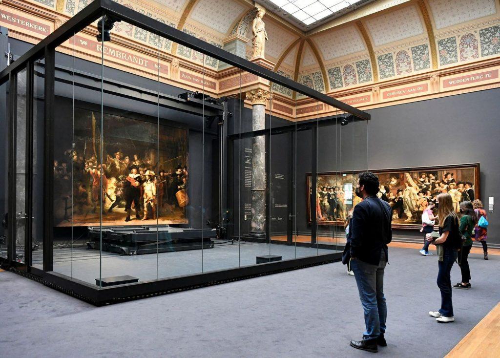 ИИ «дорисовал» картину Рембрандта «Ночной дозор»