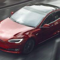 Tesla Model S Plaid установила мировой рекорд по дрэг-рейсингу